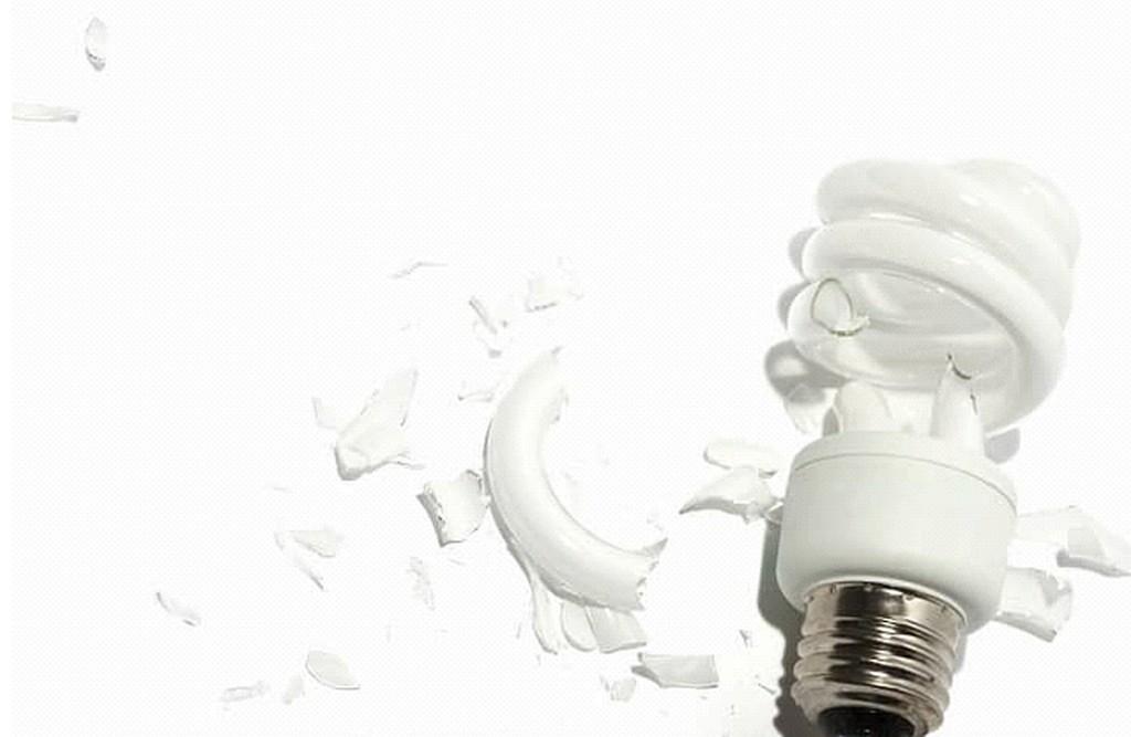 Разбили люминесцентную лампу: меры предосторожности
